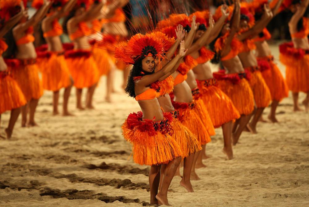 Kelionė į Taitį (egzotinės kelionės) Tahitian Polynesian Dancers Bora Bora - Hula Tribal Luau Dance T
