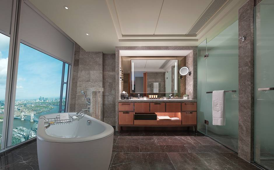 City+View+Room+bathroom+Shangri+La+London