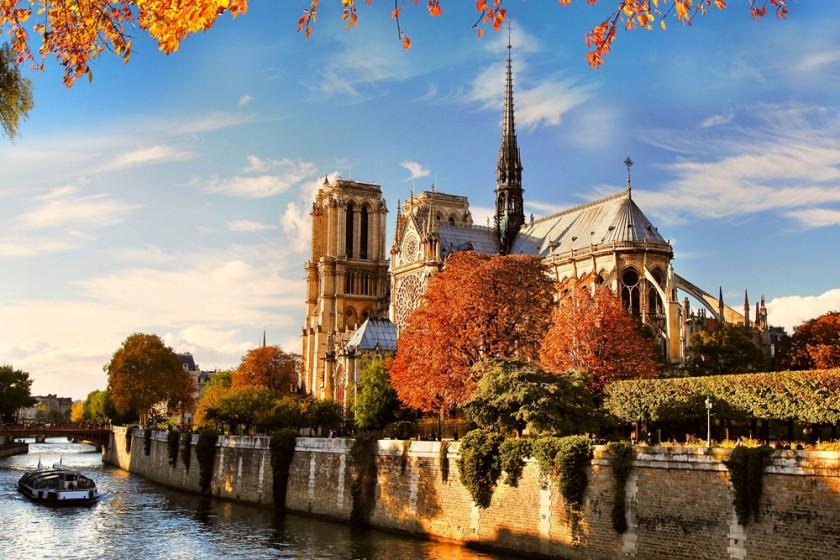 Notre Dame Cathedral, Paris, France Wide Desktop Background