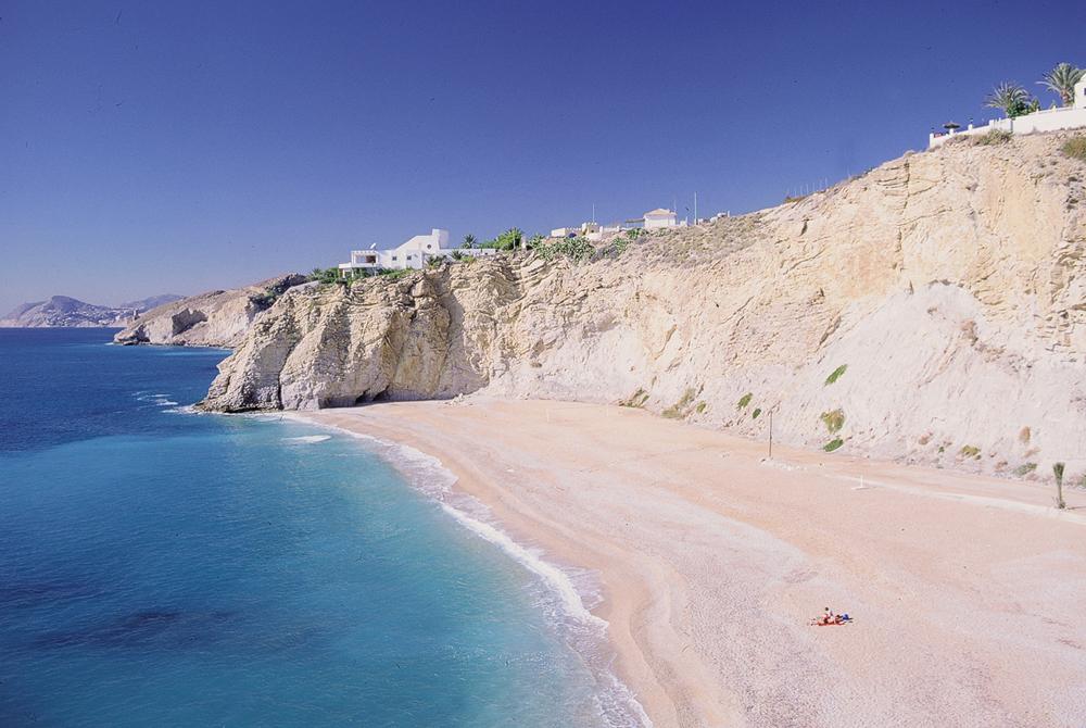 Playa Bol Nou Villajoyosa.JPG